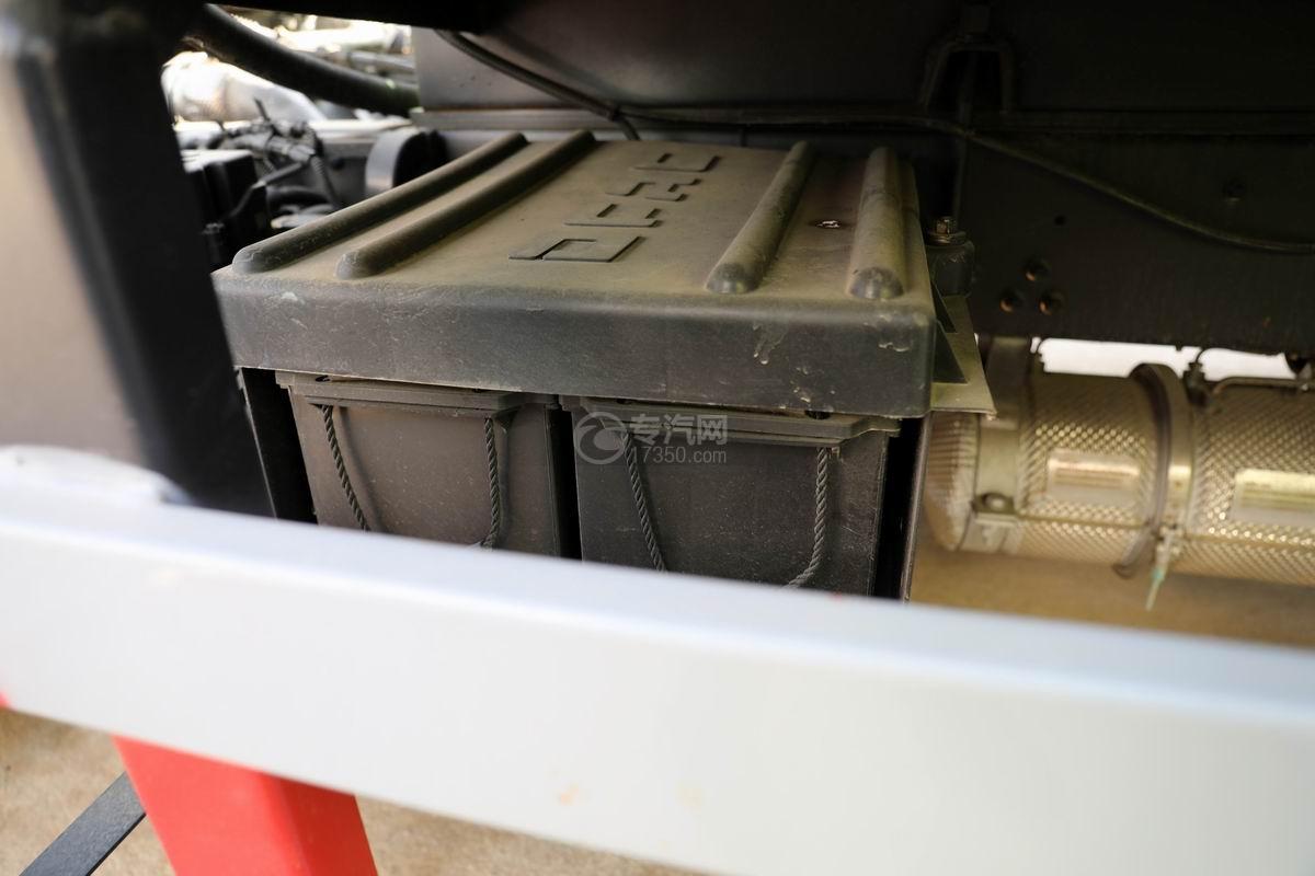 東風凱普特K7國六餐廚式垃圾車(廂式)蓄電池