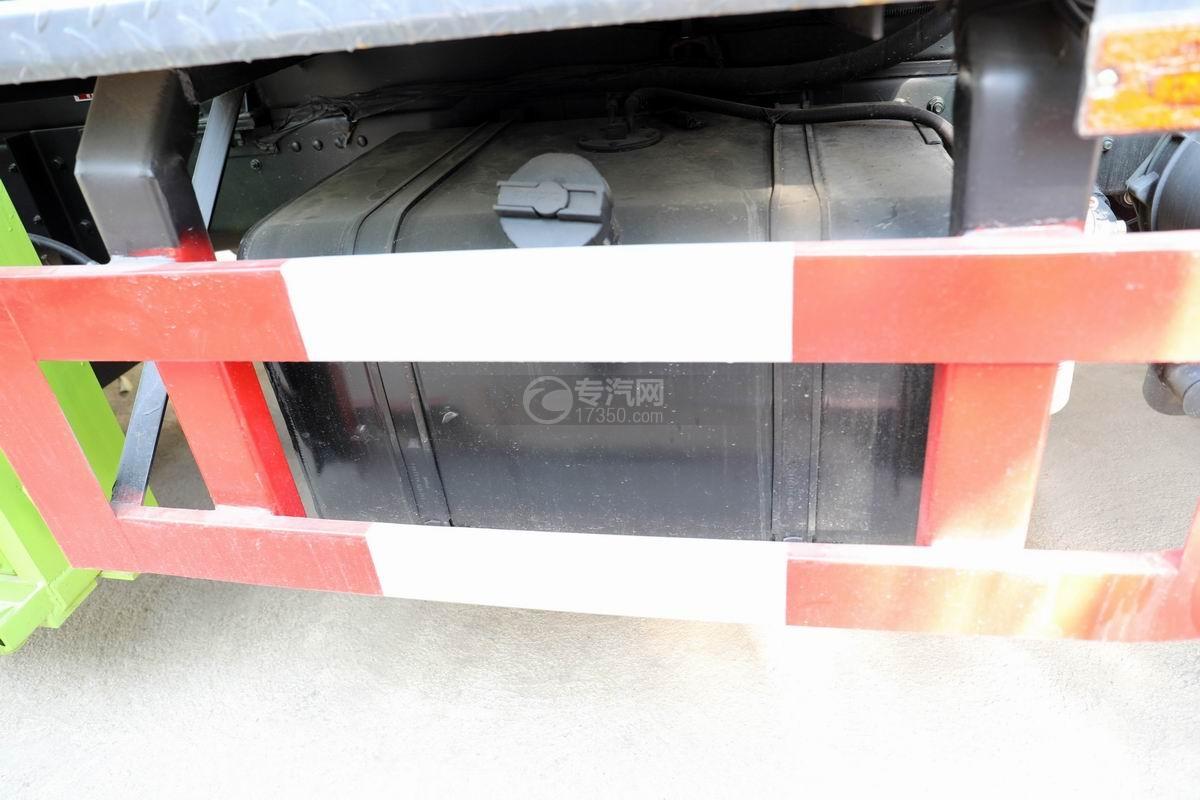 東風凱普特K7國六餐廚式垃圾車(廂式)油箱