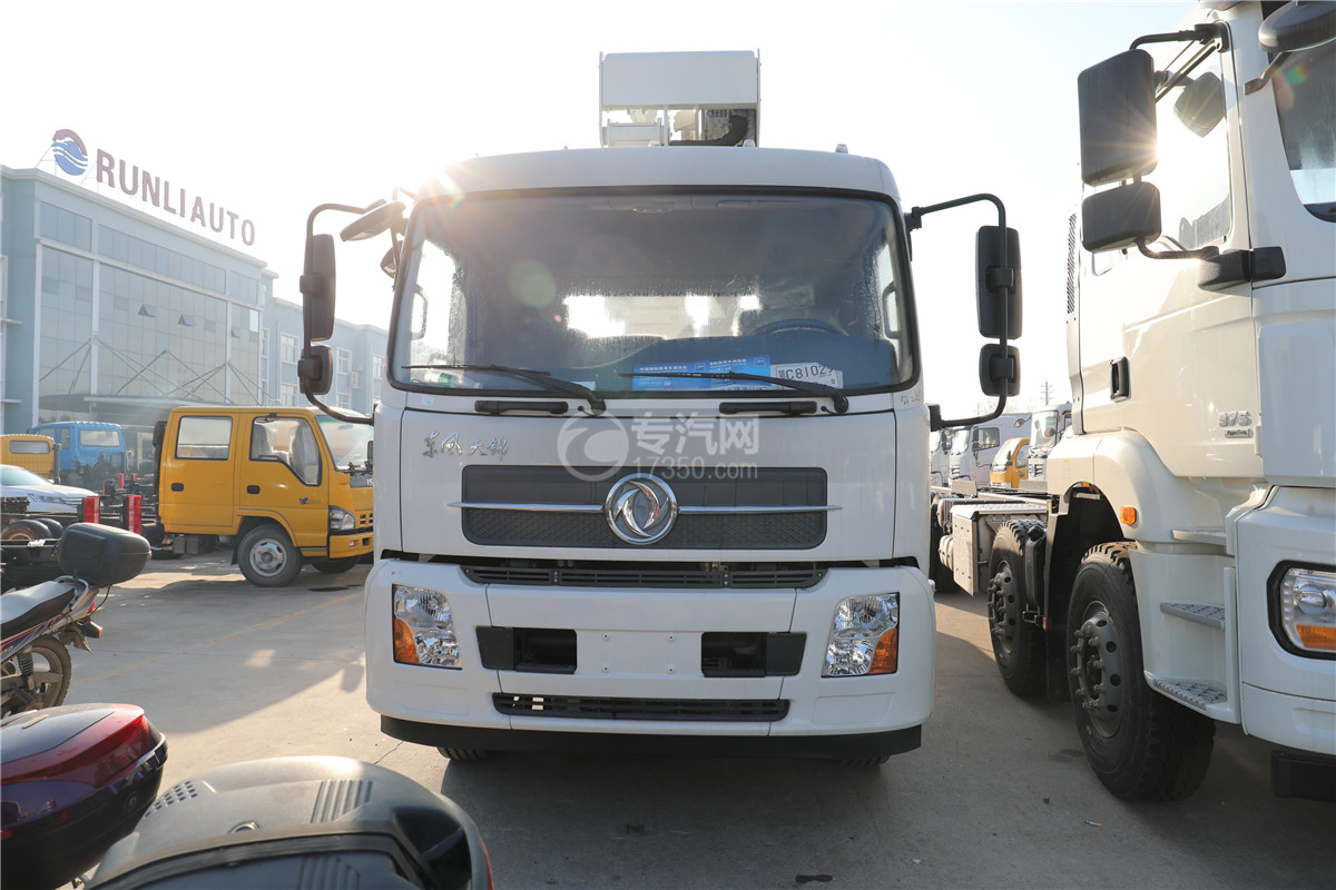 东风天锦国六20米直臂式高空作业车车前图