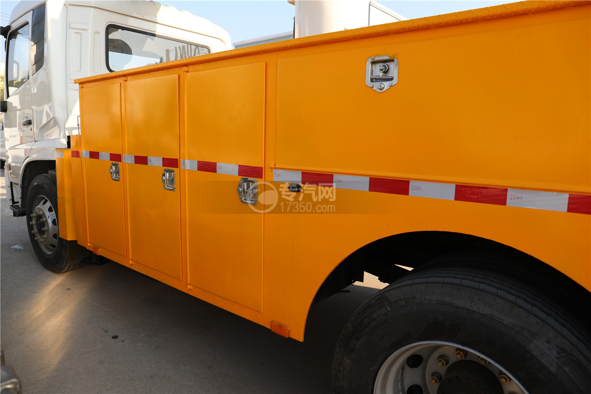 東風天錦國六20米直臂式高空作業車左側工具箱