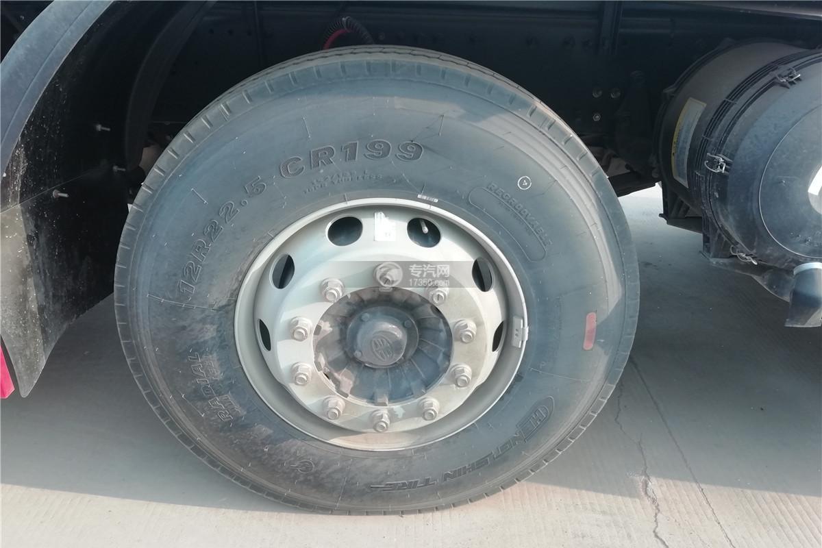解放J6前四后八国六9.55米冷藏车轮胎