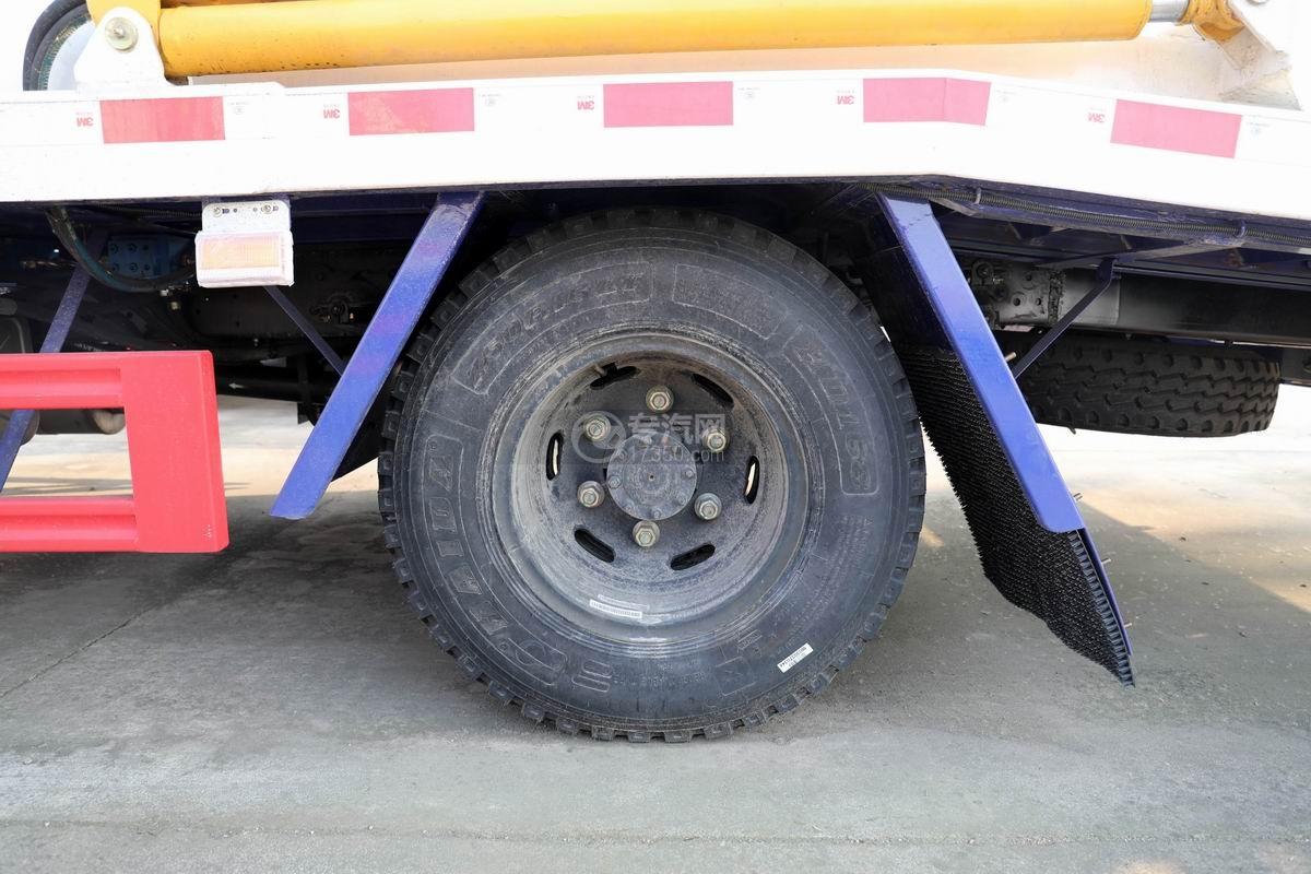 大運奧普力國五黃牌雙層清障車輪胎