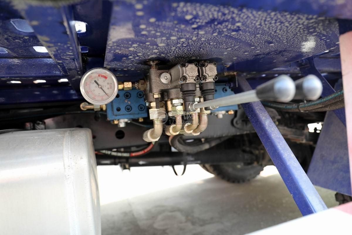大運奧普力國五黃牌雙層清障車上裝操作桿
