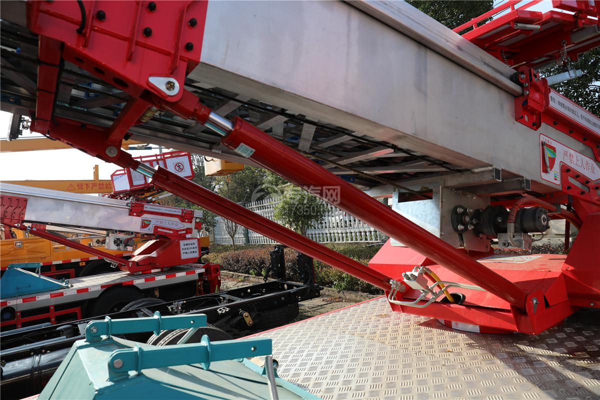 江鈴順達雙排國六32米云梯搬家作業車油缸