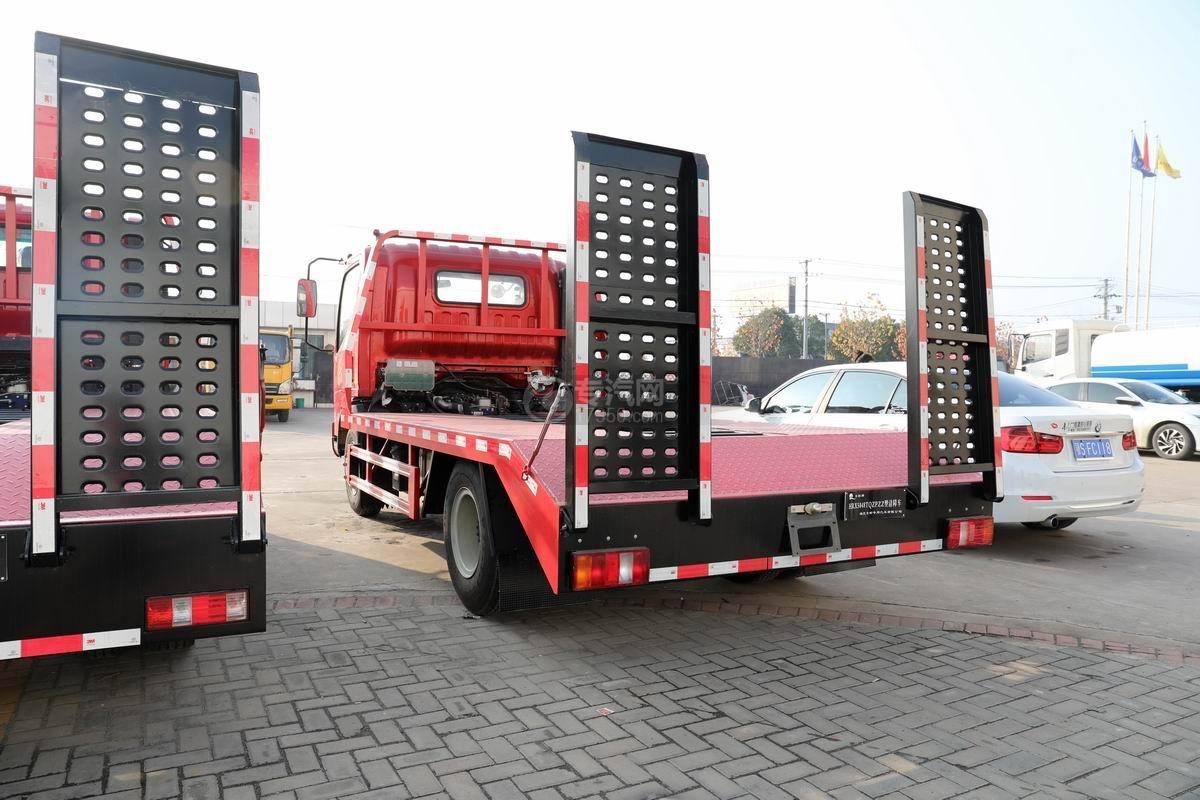 中國重汽藍牌清障平板車側后方圖