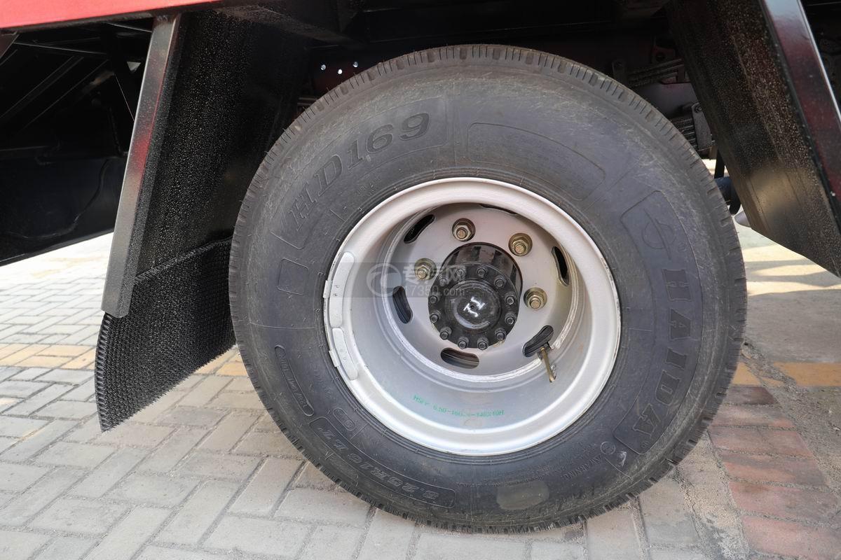 南骏蓝牌清障平板车轮胎
