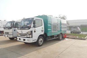 東風國六吸塵車帶掃刷外觀及配置展示