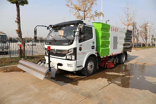 东风国六洗扫车带路面冲洗外观展示