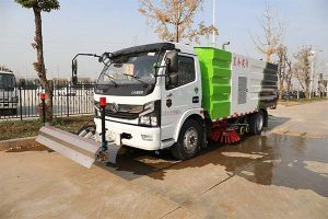 東風國六洗掃車帶路面沖洗外觀展示