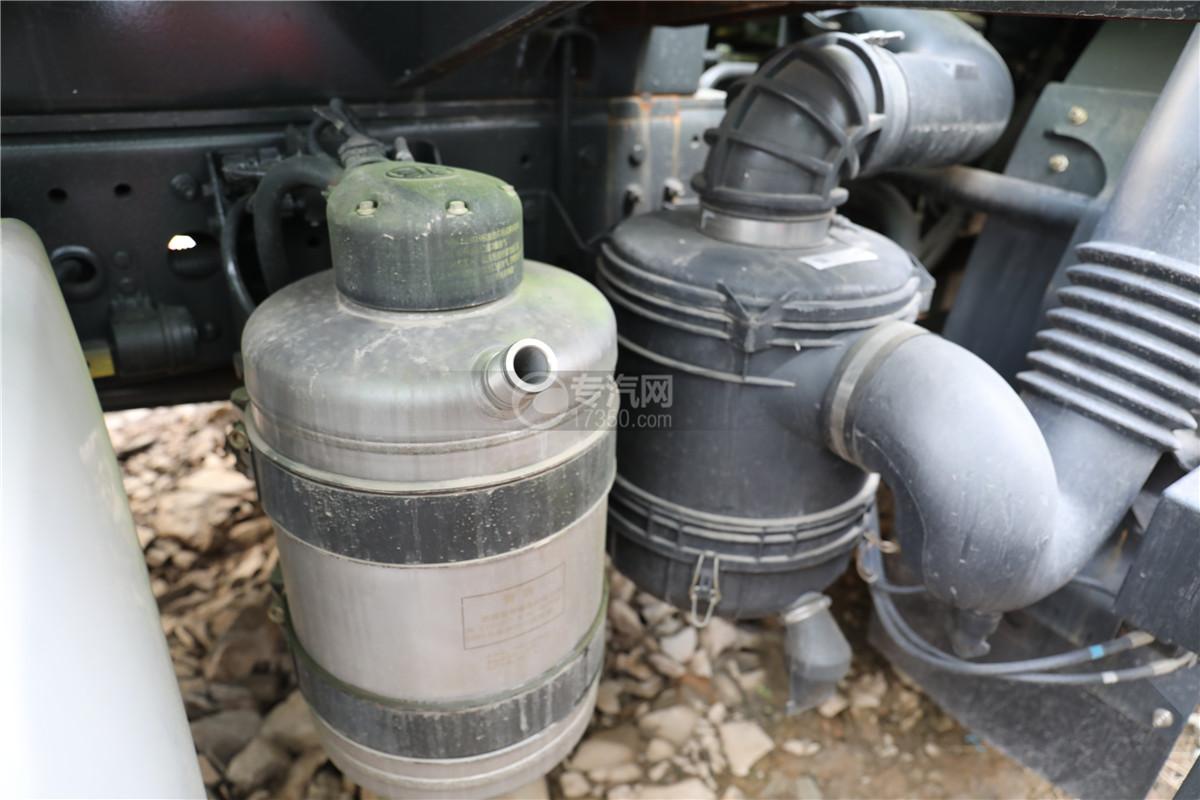 解放J6F国六11.8方洒水车空气滤芯器