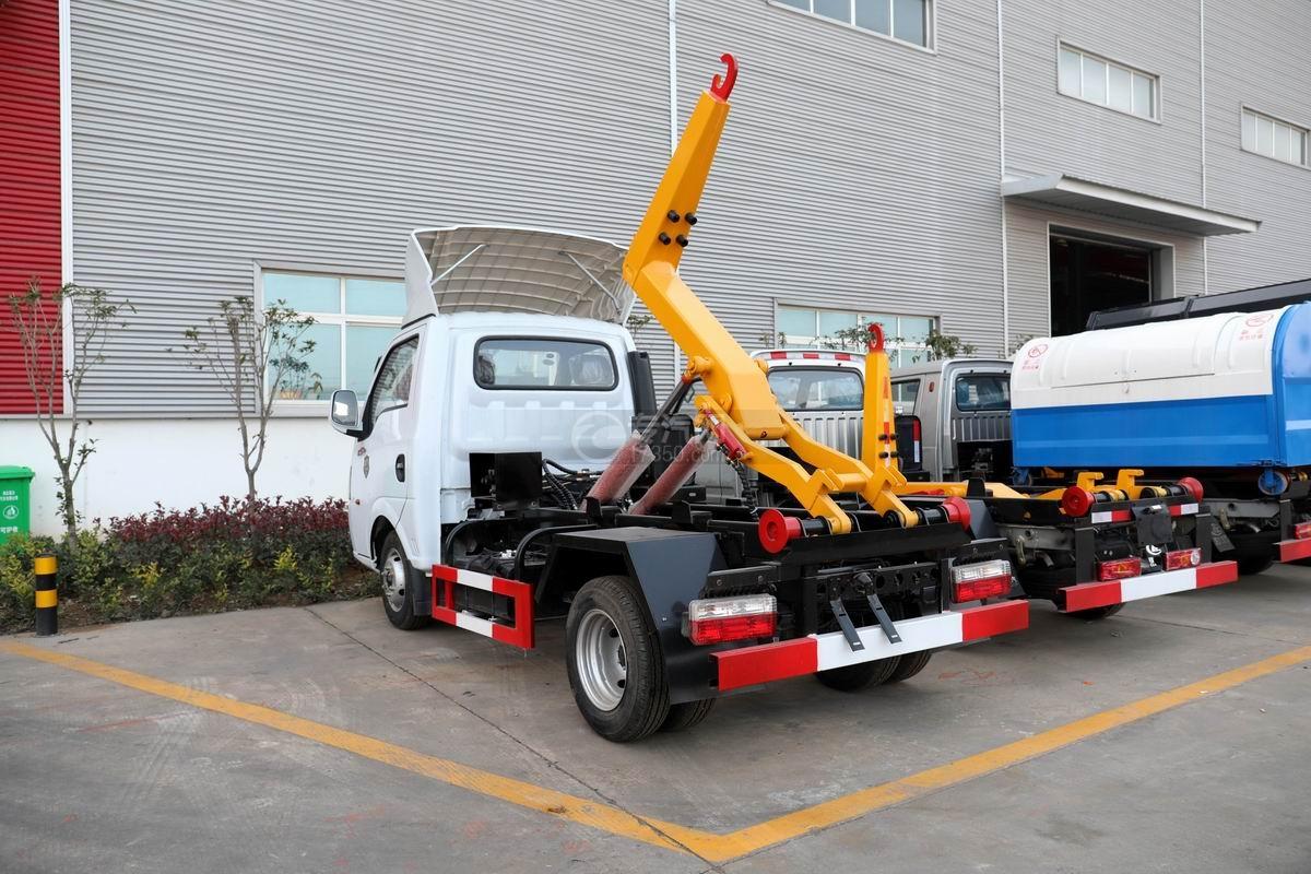 東風途逸國六車廂可卸式垃圾車側后方圖