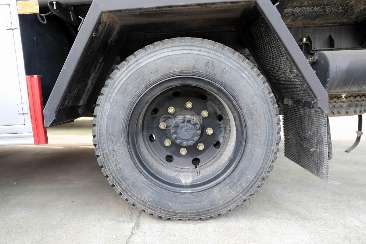 东风大多利卡7.6方加油车轮胎