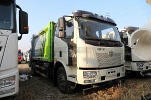 解放J6L國六壓縮式垃圾車圖片