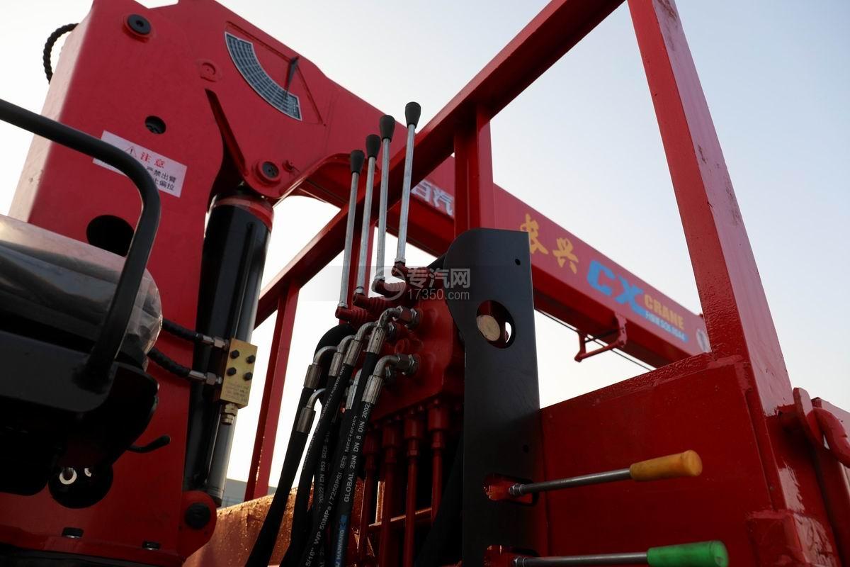 南骏瑞吉单桥5吨直臂随车吊吊机操作杆
