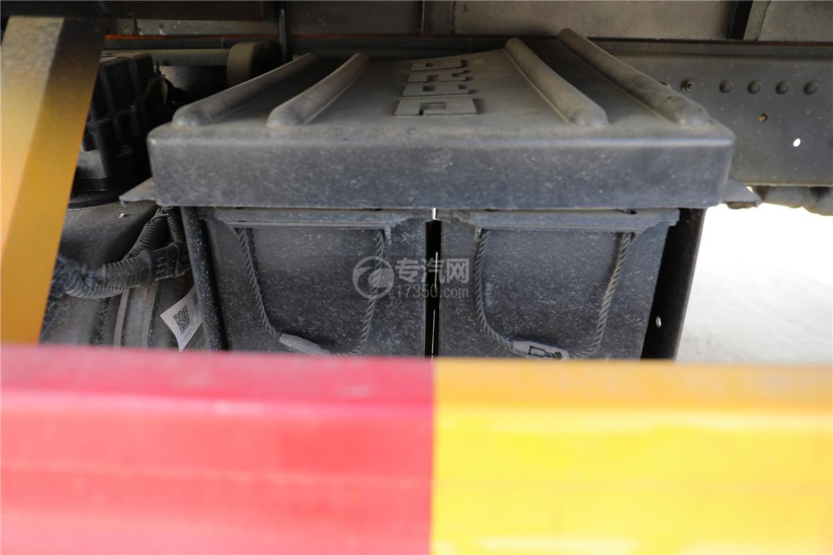 東風小多利卡D6國六雜項危險物品廂式運輸車電池