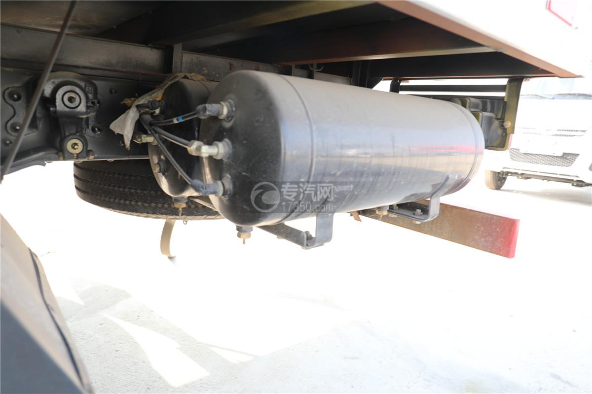 東風小多利卡D6國六雜項危險物品廂式運輸車儲氣罐
