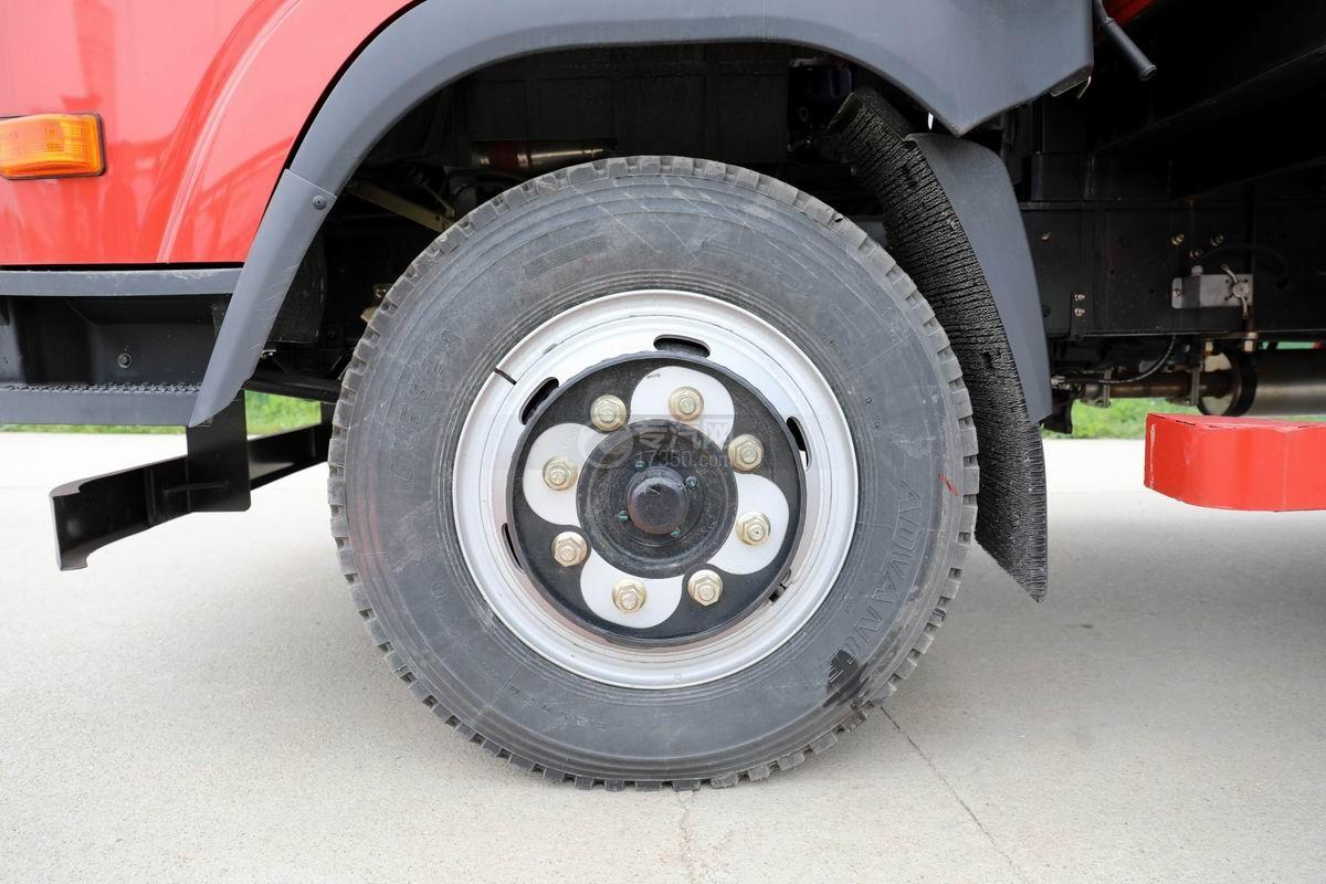 大運奧普力3.9米排半平板運輸車輪胎