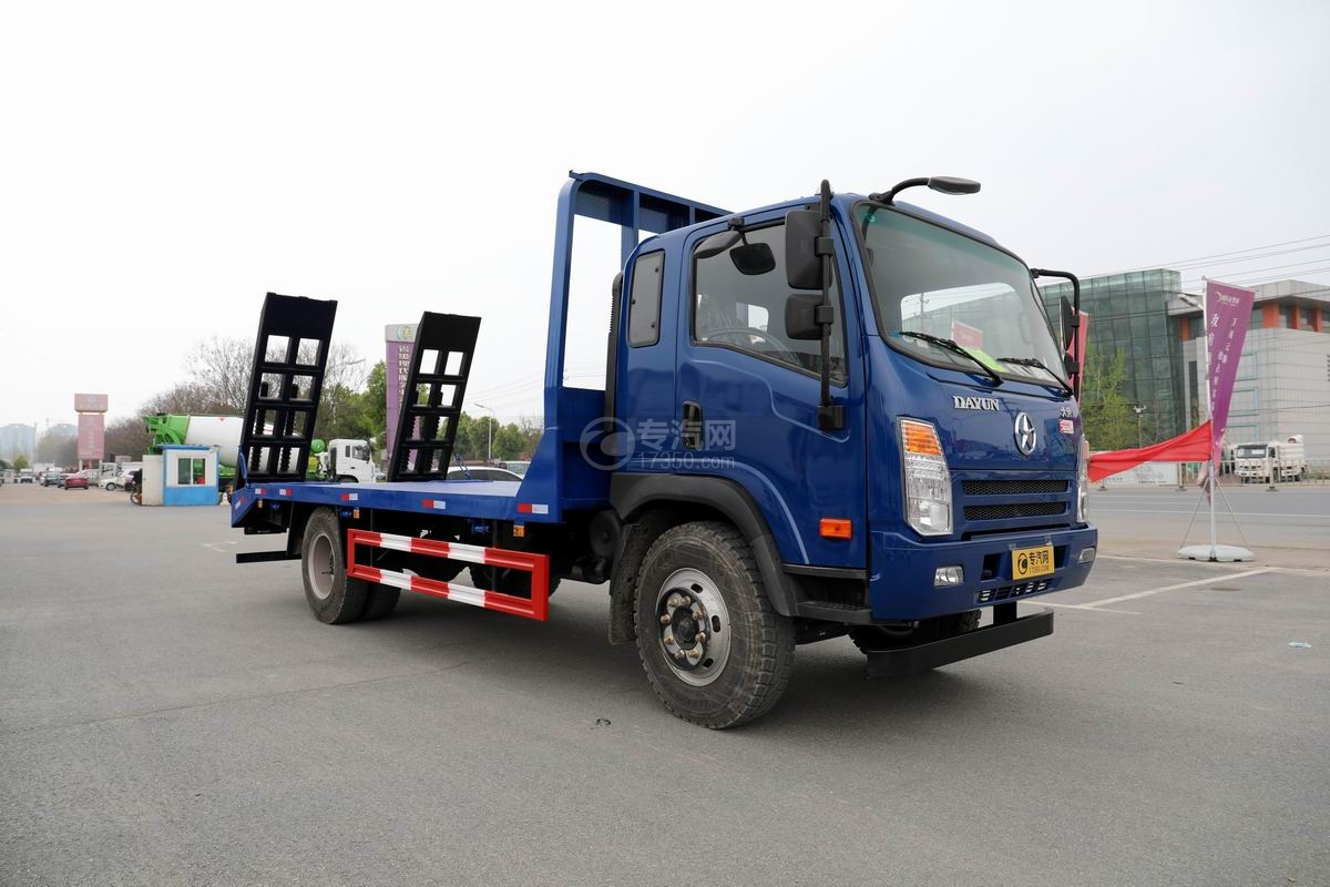 大运奥普力4.4米排半平板运输车