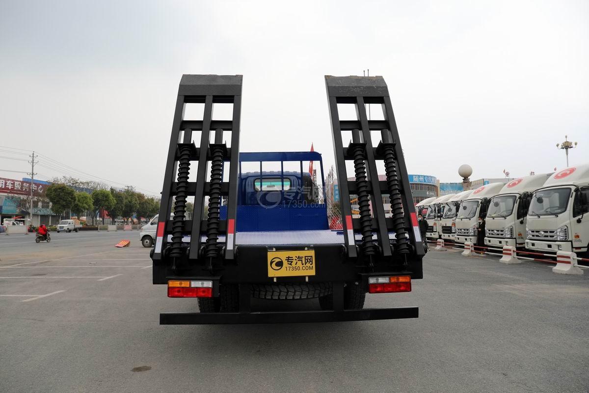 大運奧普力4.4米排半平板運輸車正后方圖