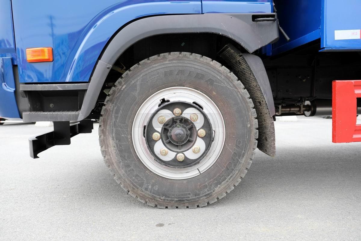 大運奧普力4.4米排半平板運輸車輪胎