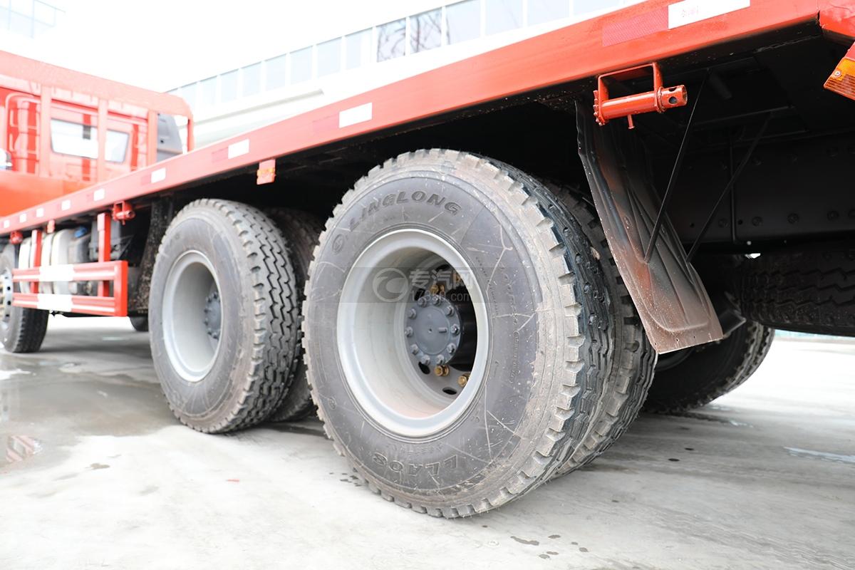 解放J6P前四后八國五平板運輸車輪胎