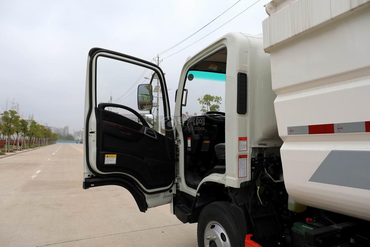 大运新奥普力国六自装卸式垃圾车局部图