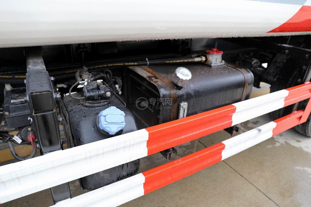 大运新奥普力国六自装卸式垃圾车液压油箱
