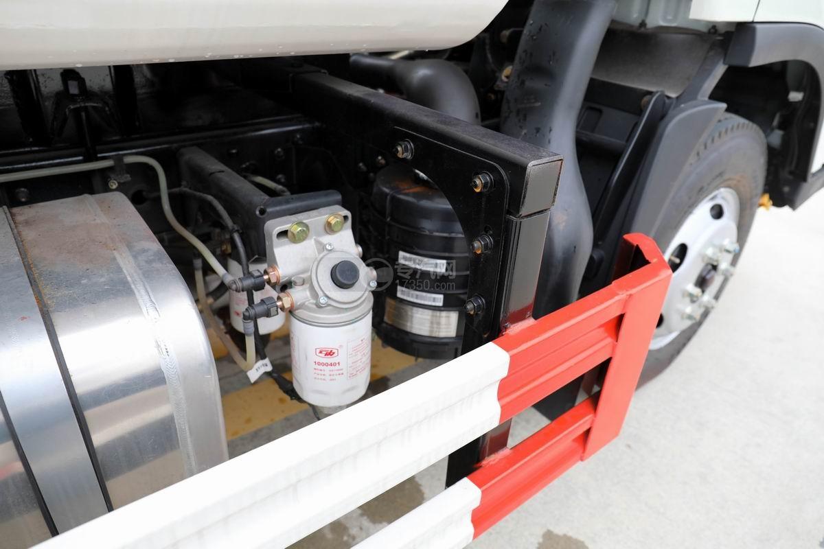 大运新奥普力国六自装卸式垃圾车手油泵