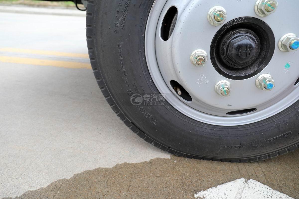 大運新奧普力國六自裝卸式垃圾車輪胎