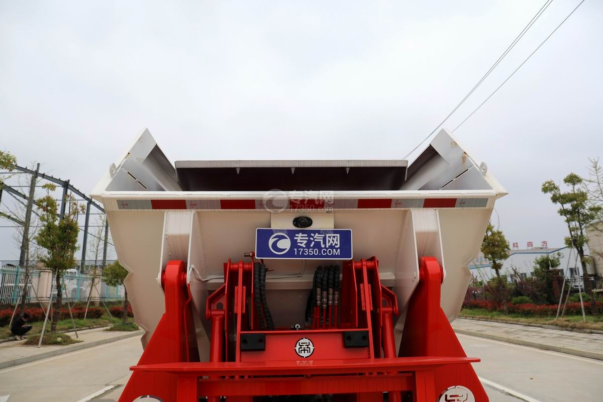 大运新奥普力国六自装卸式垃圾车上料口