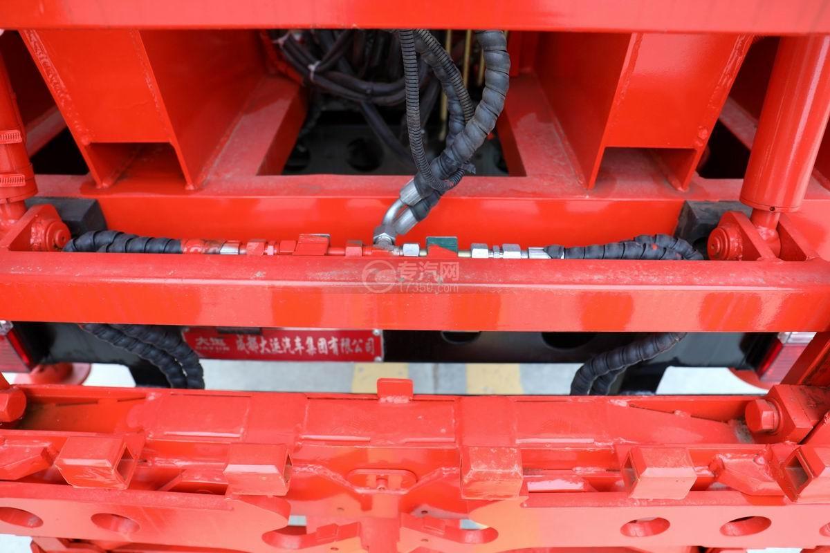 大運新奧普力國六自裝卸式垃圾車細節