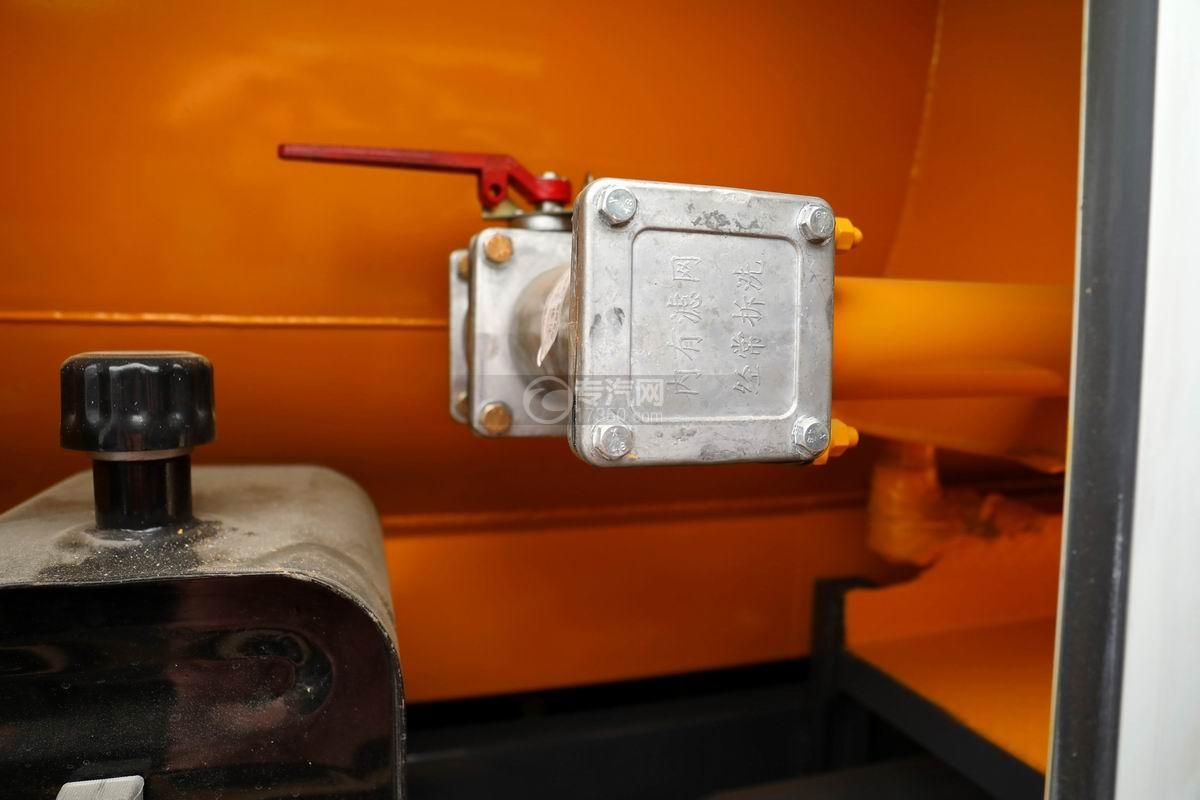 东风多利卡D7国六清洗吸污车过滤装置