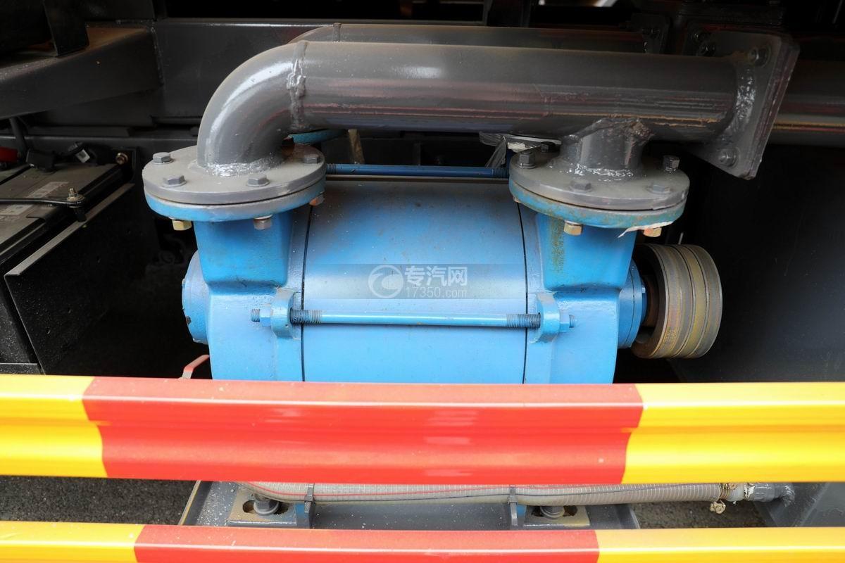 东风多利卡D7国六清洗吸污车高压泵