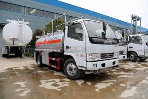 东风多利卡D6国五4.48方加油车图片