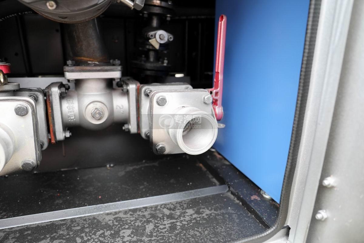 东风多利卡D6国五4.48方加油车泵进泵出装置