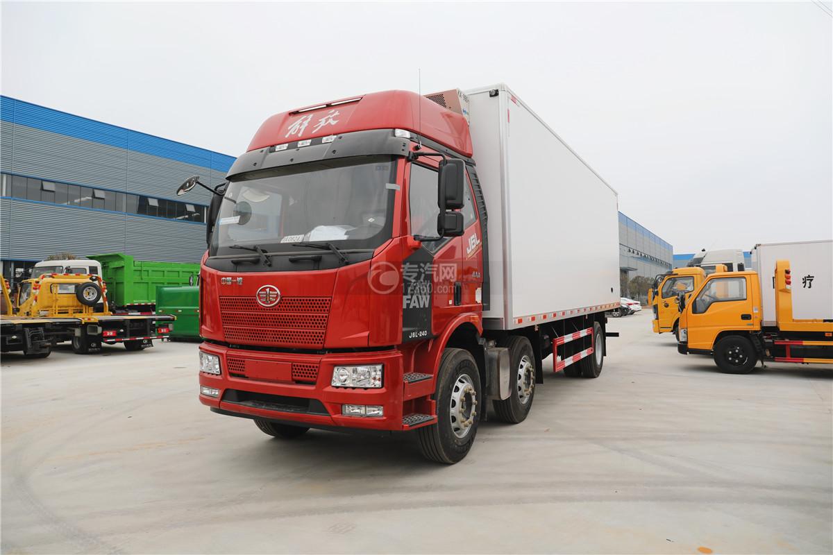 解放J6小三轴国五8.7米冷藏车左前图