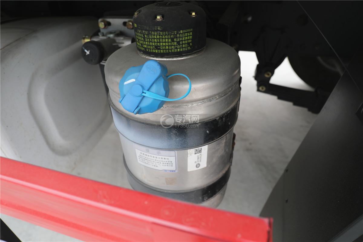 解放J6小三轴国五8.7米冷藏车空气滤清器
