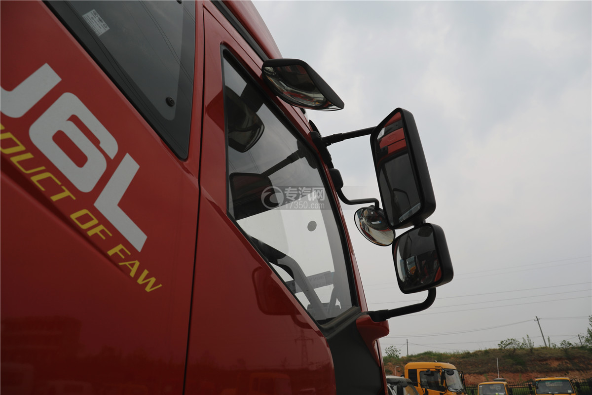 解放J6小三轴国五8.7米冷藏车地视镜