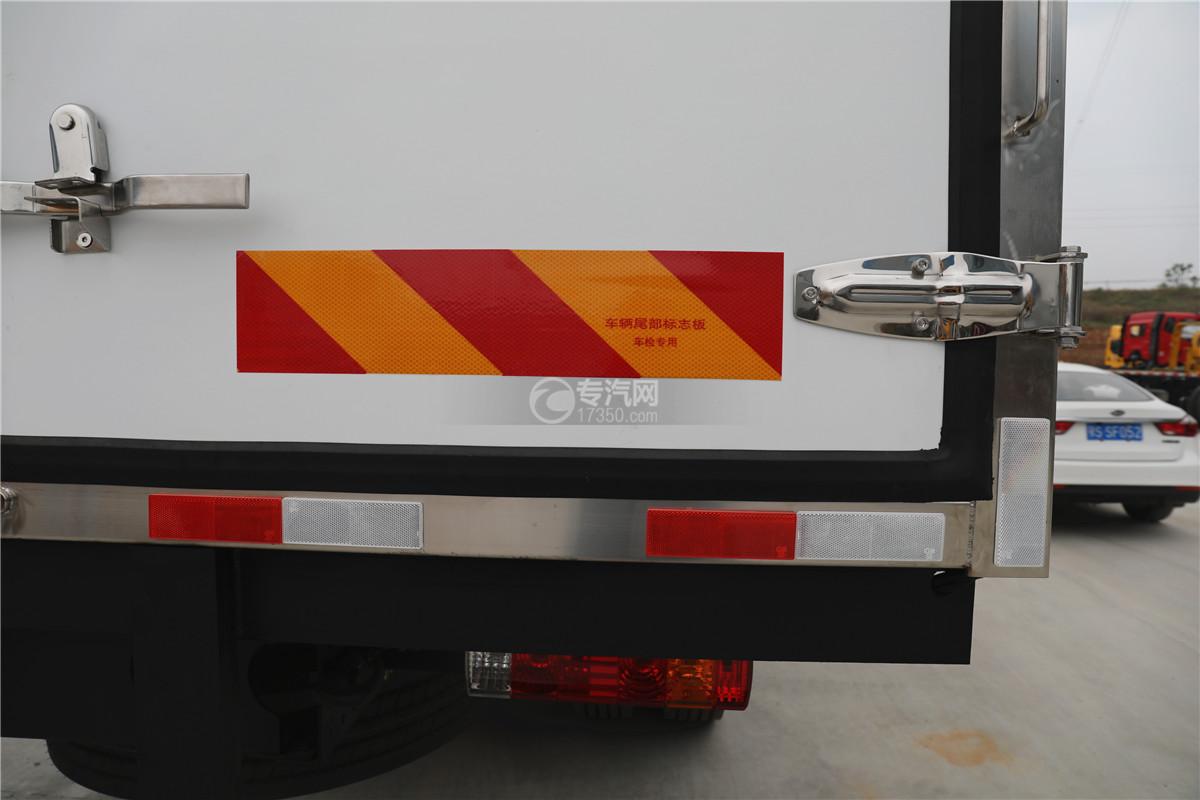 解放J6小三轴国五8.7米冷藏车反光板