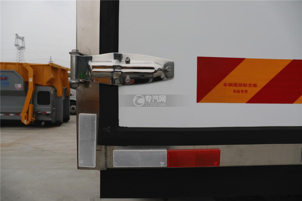 解放J6小三轴国五8.7米冷藏车合页