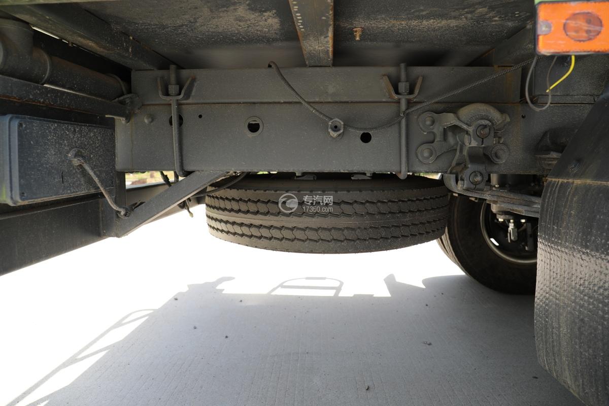 大运新奥普力国六30米抑尘车备胎