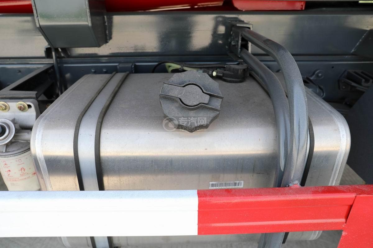 大运新奥普力单排国六车厢可卸式垃圾车油箱