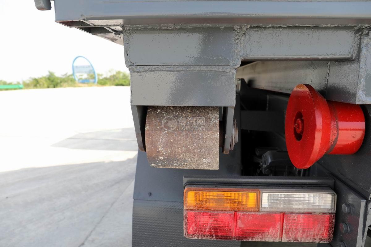 大运新奥普力单排国六车厢可卸式垃圾车细节