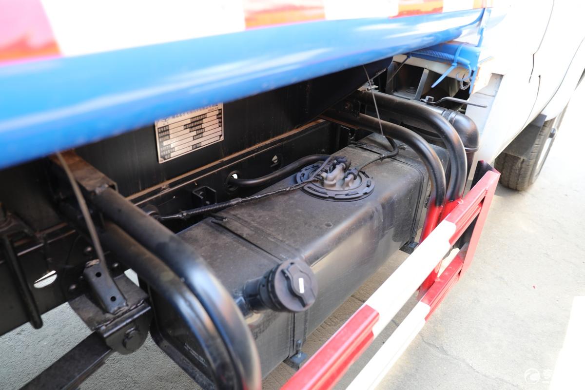 北汽昌河福瑞达K21国六1.54绿化喷洒车油箱