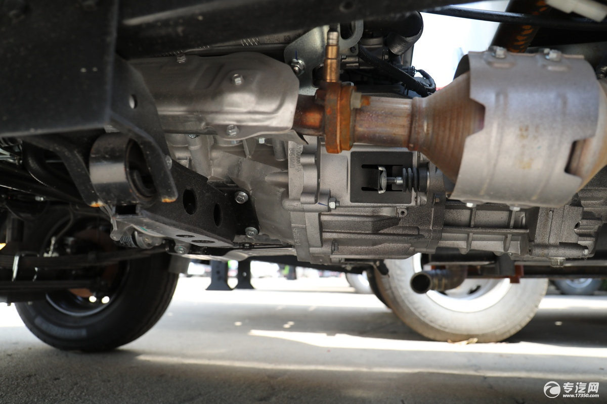 北汽昌河福瑞达K21国六1.54绿化喷洒车变速箱