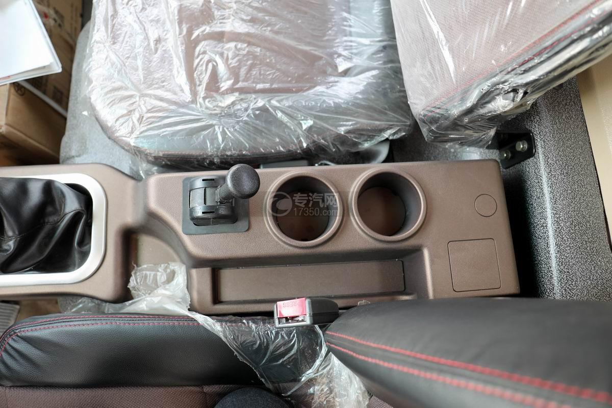 大运新奥普力国六单排平板运输车驻车制动器