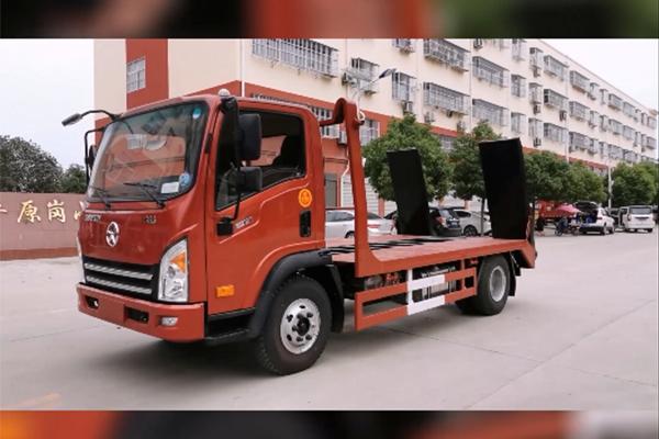 可载小车、铲车、摊布机的专用运输车长什么样?