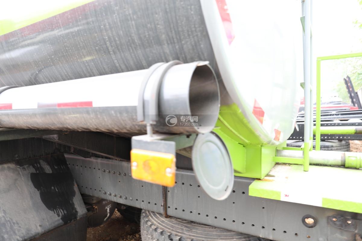 重汽豪瀚N5G后双桥国六15.2方洒水车炮筒