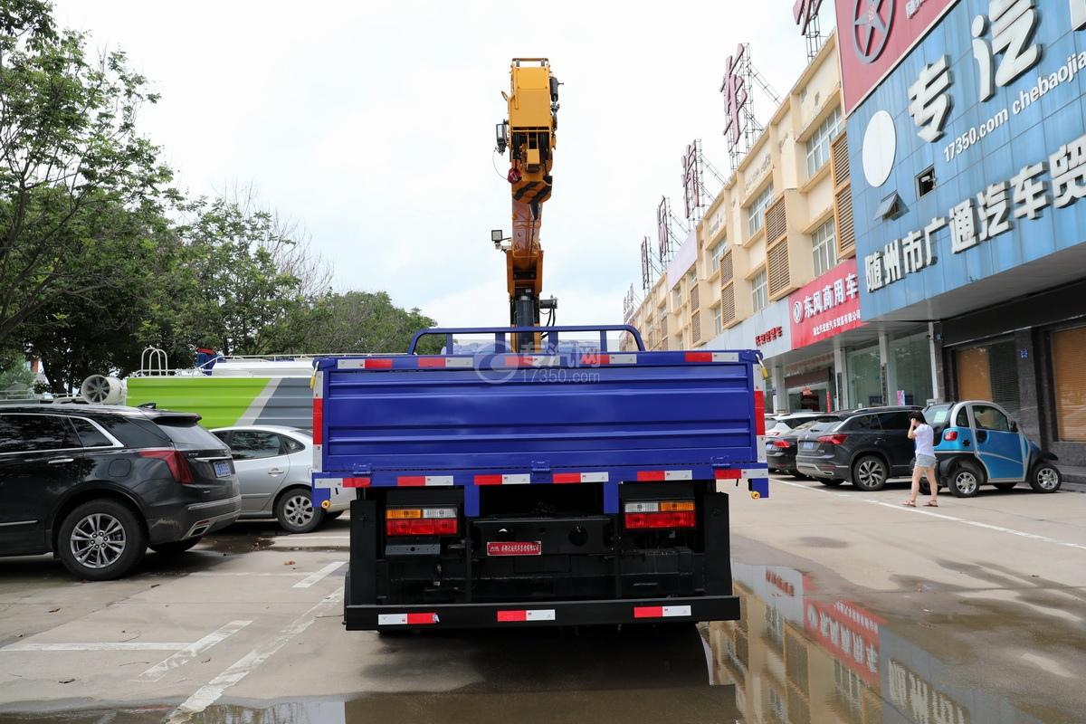 大运奥普力5吨直臂随车吊(蓝色)正后图