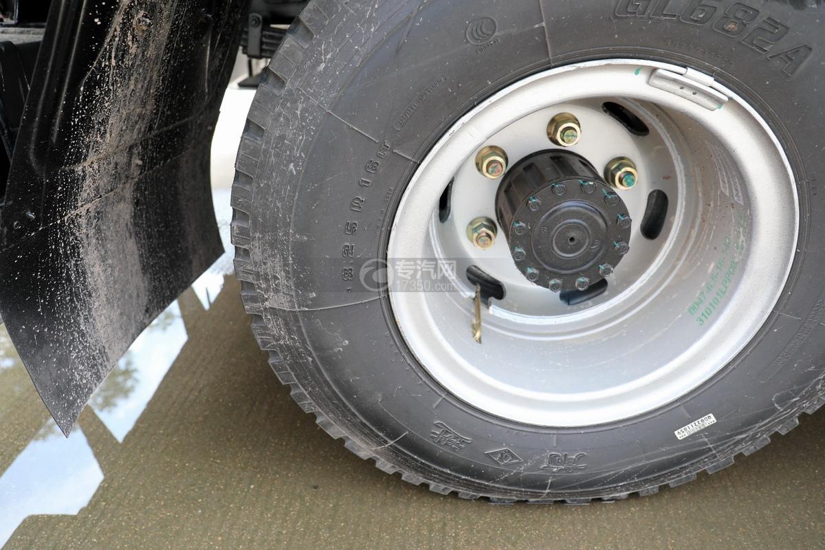 大运奥普力5吨直臂随车吊(蓝色)轮胎细节